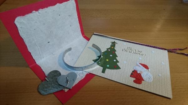 ワークショップで作成するクリスマスカード、アクセサリ
